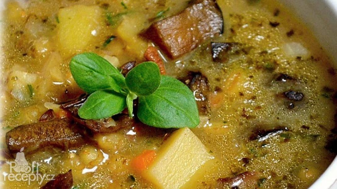 Bramborová polévka s houbami Bramboračka