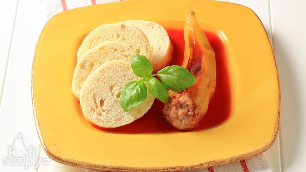 Plněné paprikové lusky na rajské omáčce