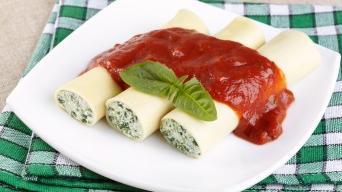 Cannelloni se špenátem a ricottou s rajčatovou omáčkou