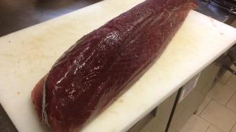 Steak tuňáka s mangovou omáčkou a vanilkovou kaší