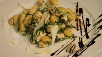 Gnocchi se špenátem kuřecím masem